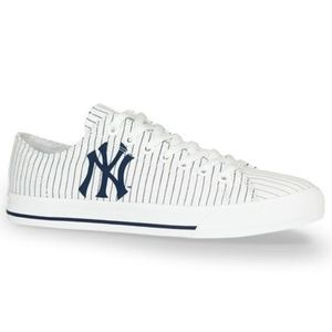 Row One New York Yankees Jersey Victory Sneakers
